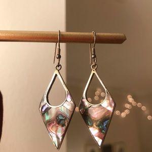 Jewelry - Diamond-shape dangle earrings